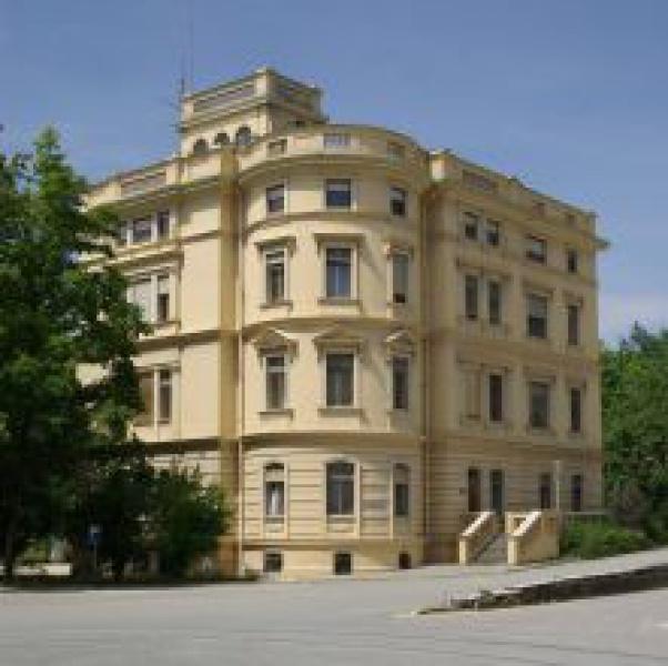 Verwaltungsgebäude-1449